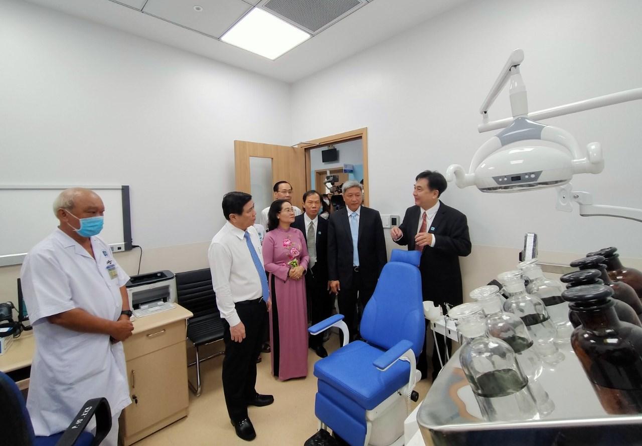 Hệ thống thiết bị hiện đại tại Bệnh viện Ung bướu cơ sở 2