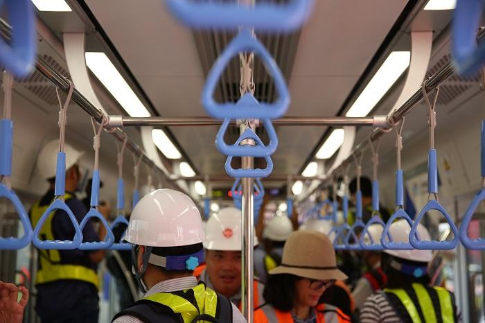 Cận cảnh bên trong toa tàu metro số 1