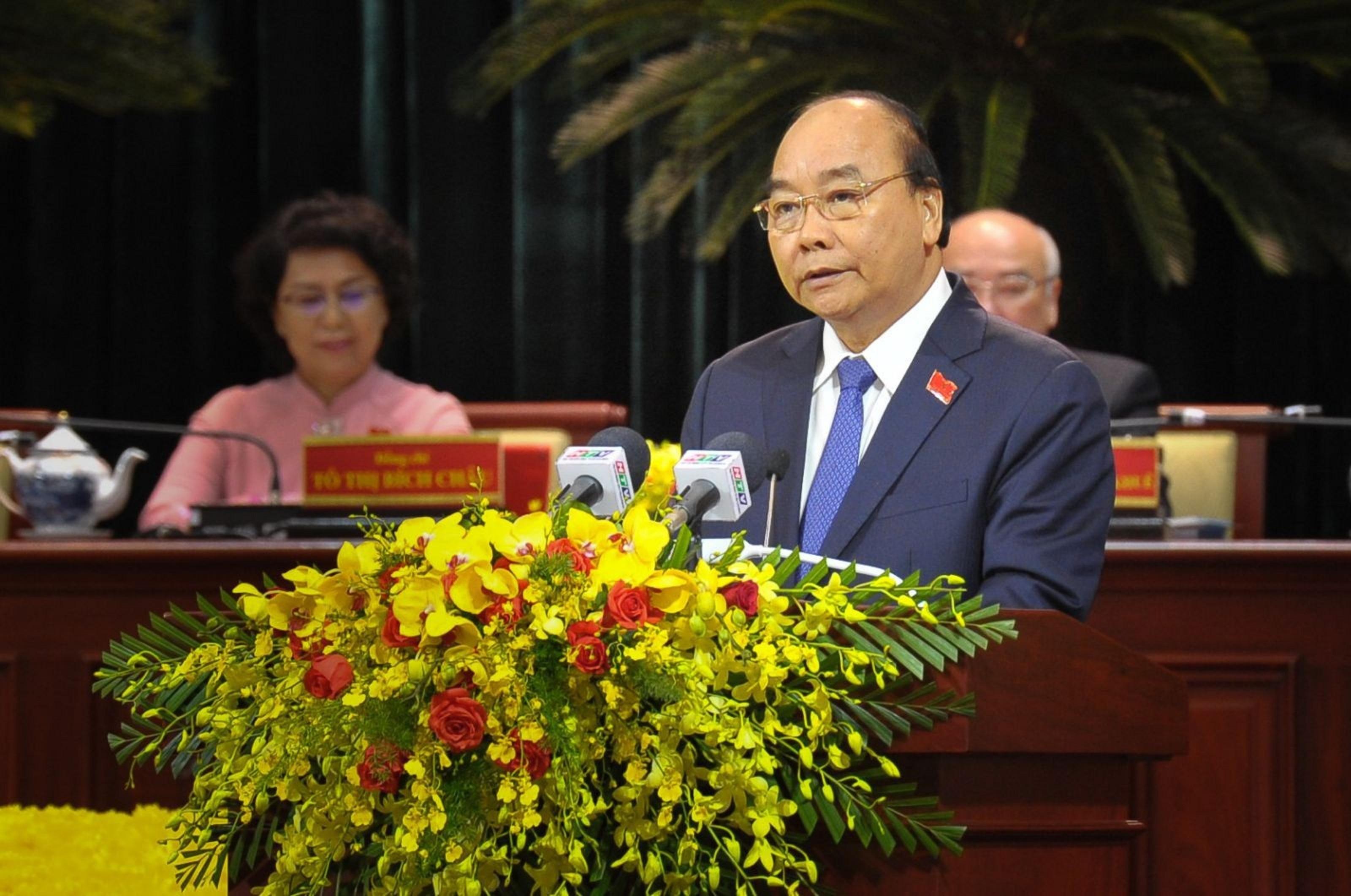 Thủ tướng Chính phủ Nguyễn Xuân Phúc phát biểu chỉ đạo tại Đại hội đại biểu Đảng bộ TP. HCM lần thứ XI.