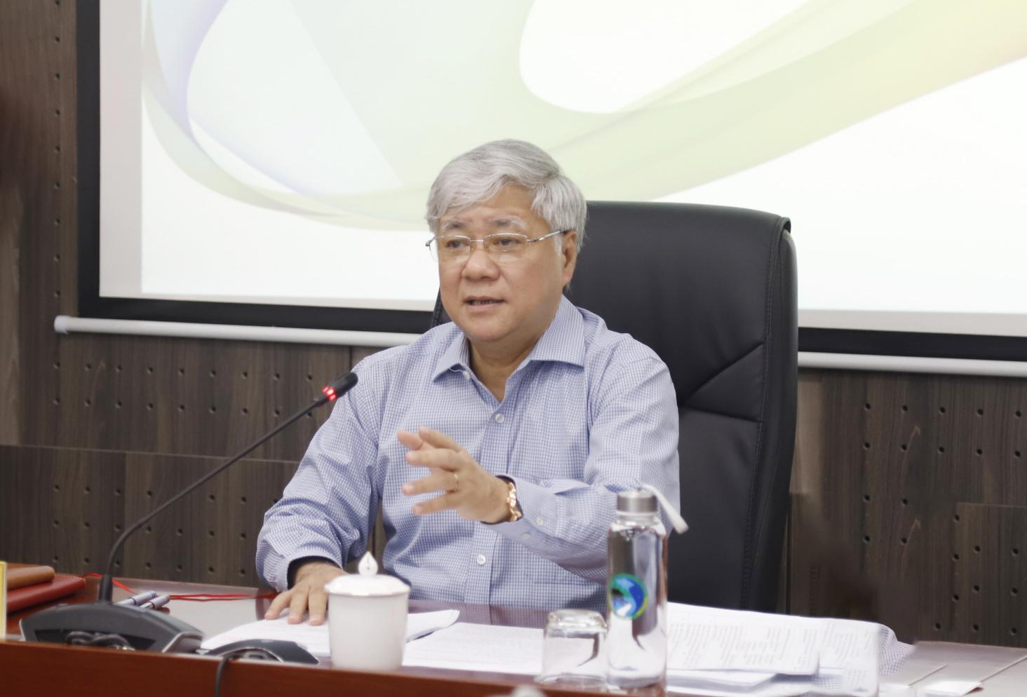 Bộ trưởng, Chủ nhiệm UBDT Đỗ Văn Chiến phát biểu tại buổi họp