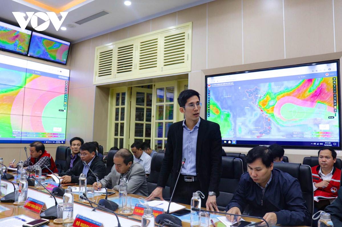 Trưởng phòng Dự báo thời tiết, Trung tâm Dự báo Khí tượng Thuỷ văn quốc gia Trần Quang Năng.