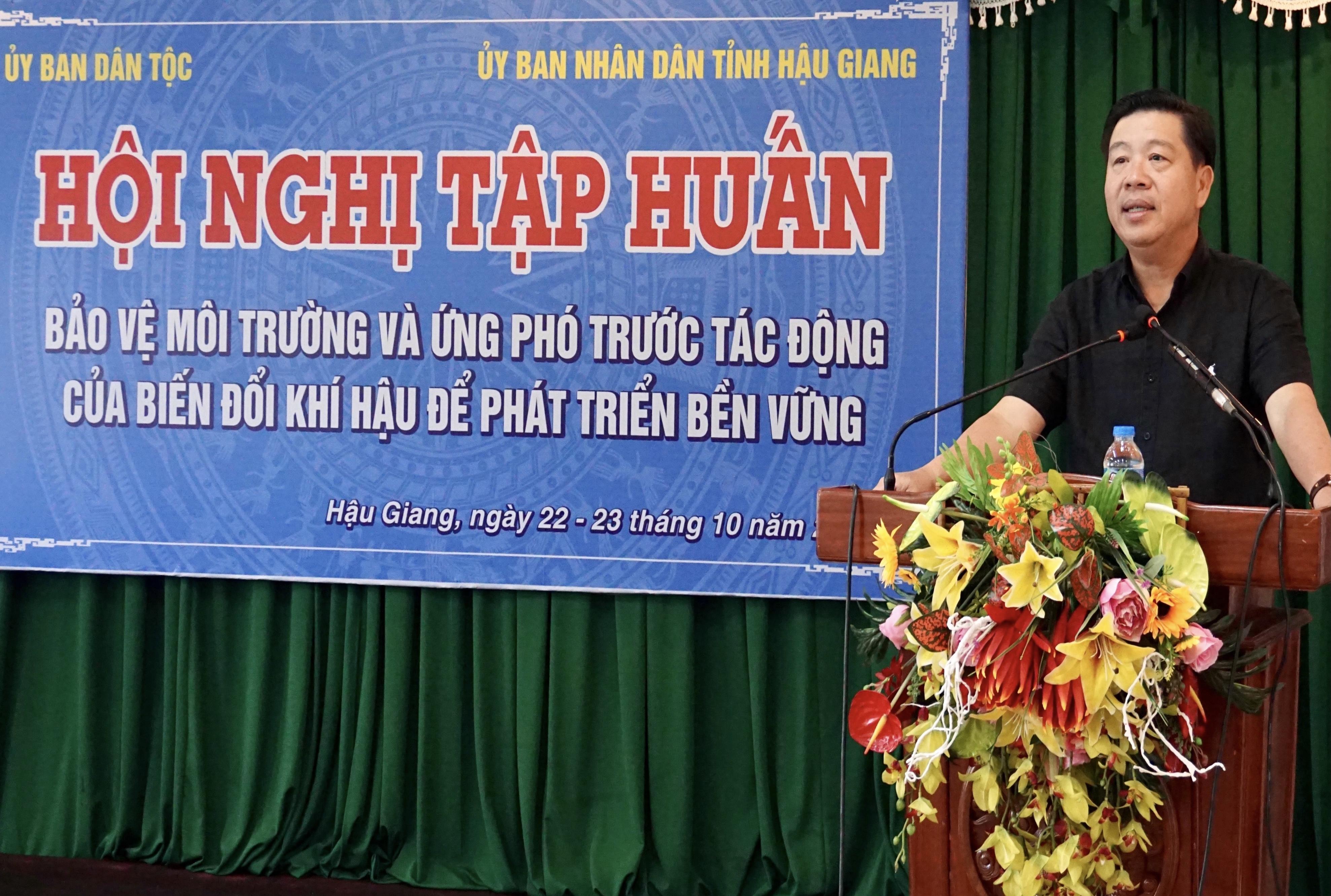 Thứ trưởng, Phó Chủ nhiệm UBDT Lê Sơn Hải phát biểu tại Hội nghị
