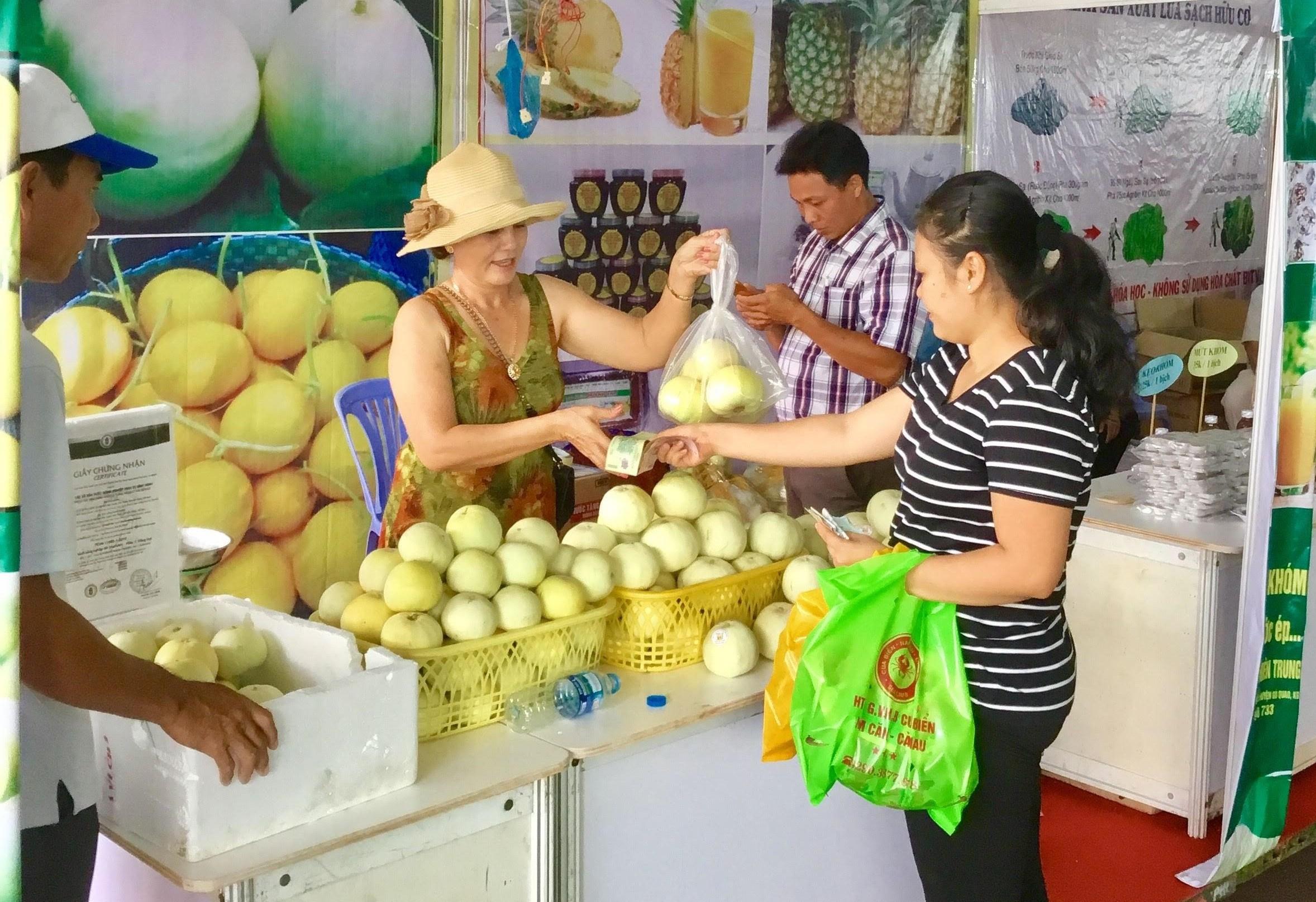 Các HTX trên địa bàn tỉnh Kiên Giang đã làm tốt vai trò tổ chức sản xuất và kết nối tiêu thụ sản phẩm nông nghiệp cho người nông dân