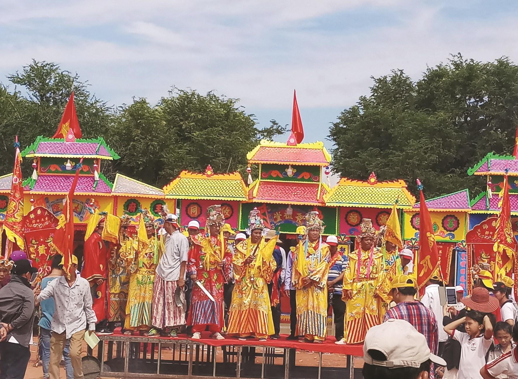 Lễ hội Tả Tài Phán (Vạn nhân duyên) của đồng bào người Hoa tại TP. Long Khánh