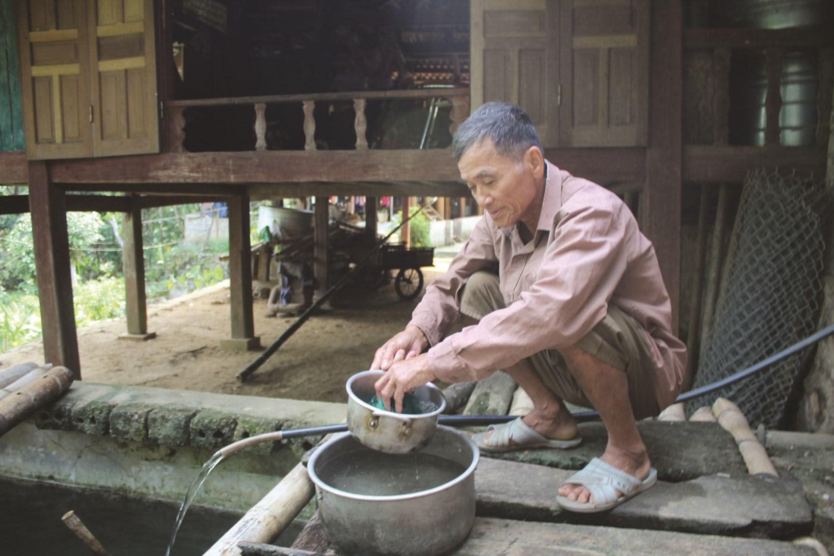 Cuộc sống tạm bợ của người dân ven lòng hồ Cửa Đạt