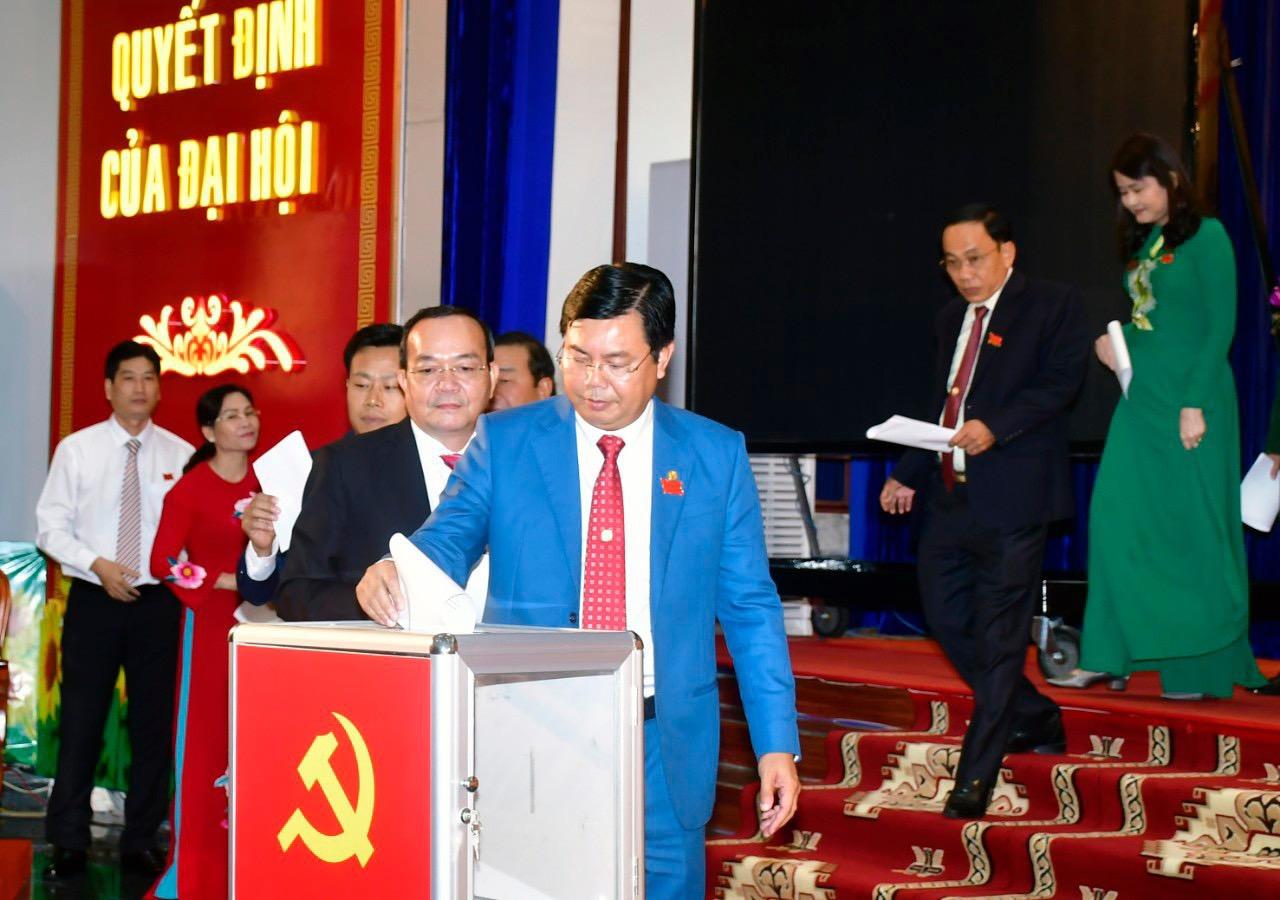 Đại hội bầu Ban chấp hành Đảng bộ khóa mới