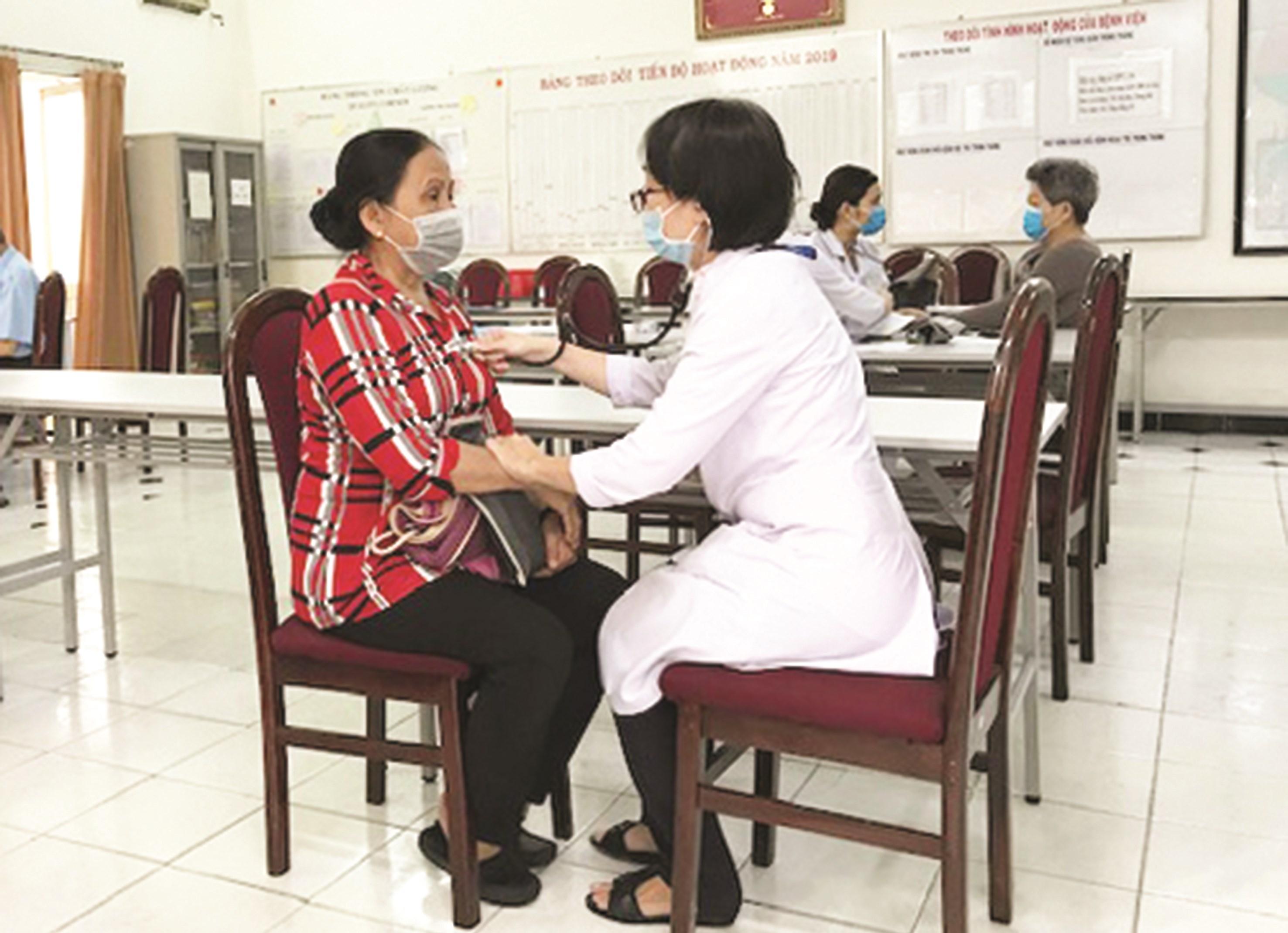 Khám, chữa bệnh miễn phí cho người DTTS có hoàn cảnh khó khăn tại bệnh viện Tân Bình.