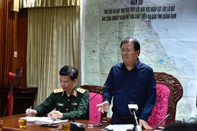 Phó Thủ tướng Trịnh Đình Dũng quyết định thành lập Sở Chỉ huy tiền phương để triển khai cứu hộ nạn nhân vụ sạt lở đất ở Trà Leng-Trà Vân, Nam Trà My, ngay trong đêm 28/10. (Ảnh: VGP)