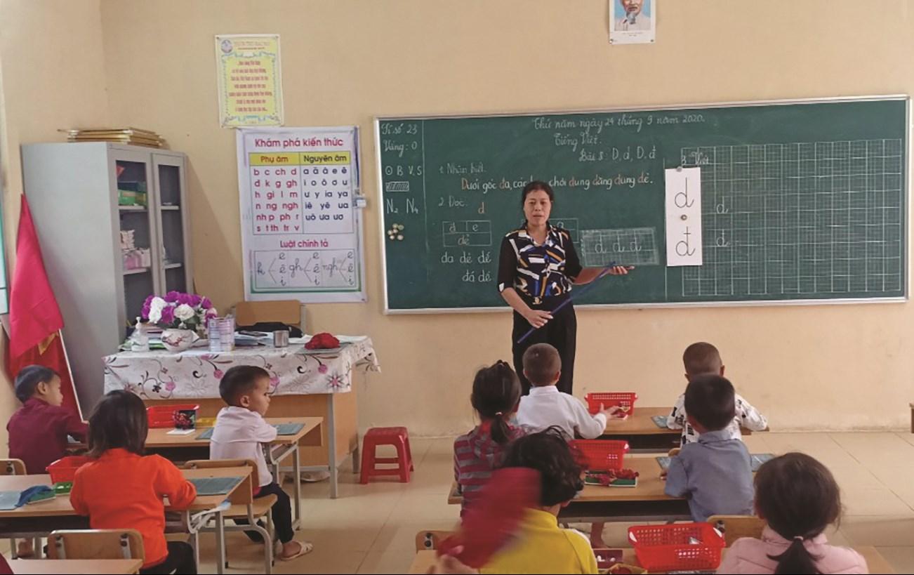 Lớp học theo chương trình SGK mới ở Trường PTDTBT Tiểu học Keo Lôm (huyện Điện Biên Đông)