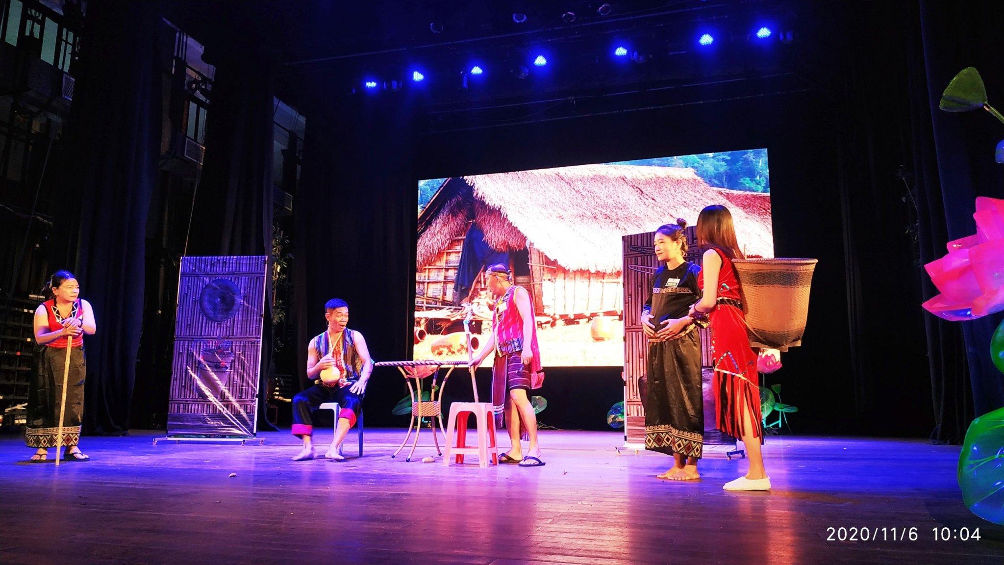 """Tiểu phẩm kịch ngắn """"Nghèo đến bao giờ"""" của đội thi đến từ Đồng Nai"""