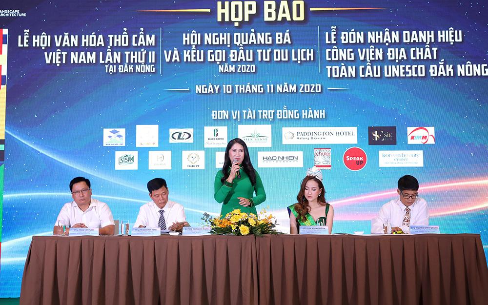 Bà Tôn Thị Ngọc Hạnh, Phó Chủ tịch tỉnh Đắk Nông thông tin về Lễ hội văn hóa thổ cẩm.