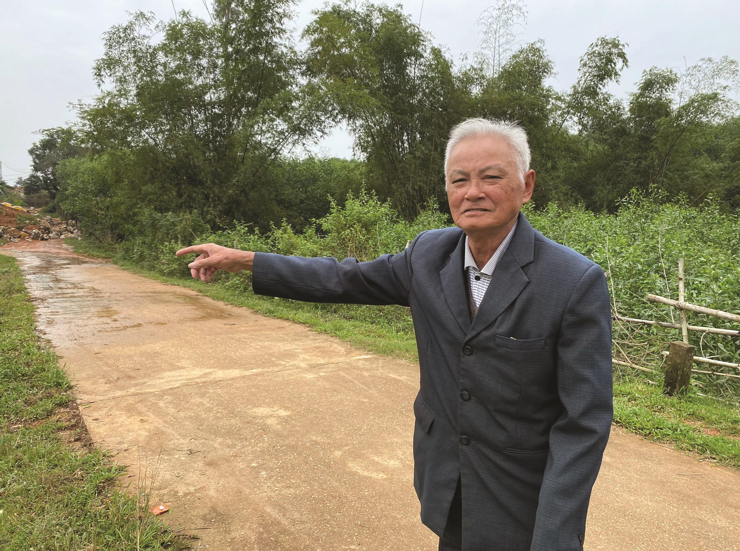 Giáo dân Hồ Sỹ Quảng là người đầu tiên hiến 2 sào đất để mở đường, làm gương cho bà con noi theo.