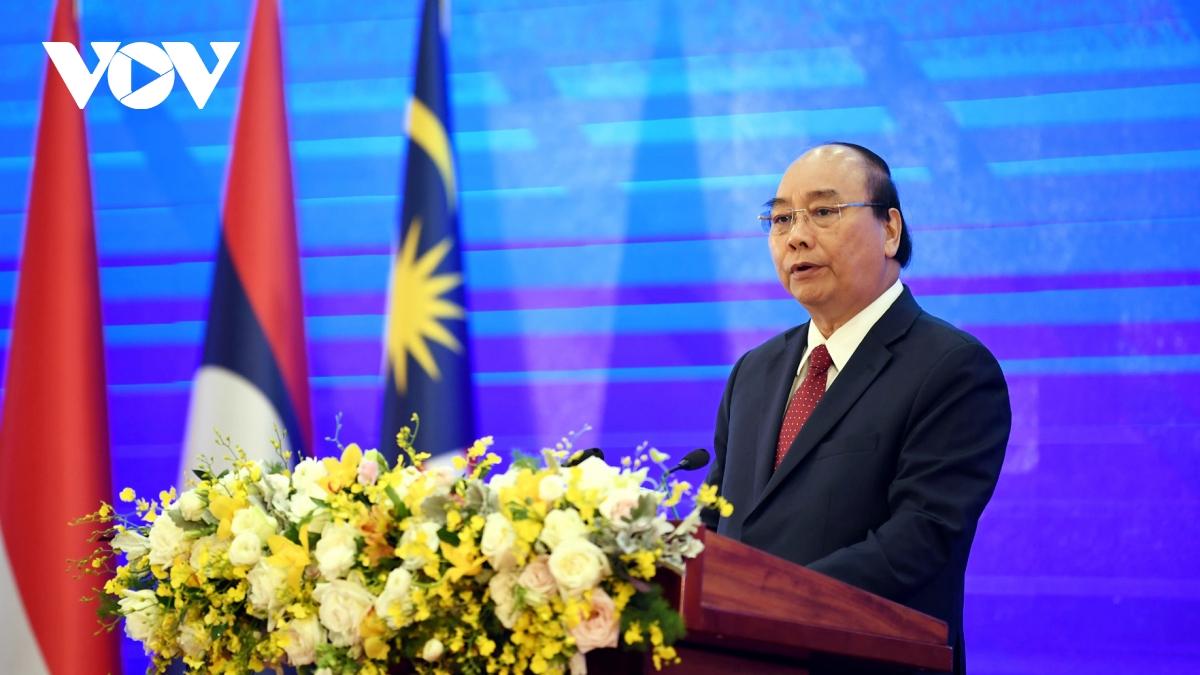Thủ tướng Nguyễn Xuân Phúc phát biểu khai mạc Hội nghị.