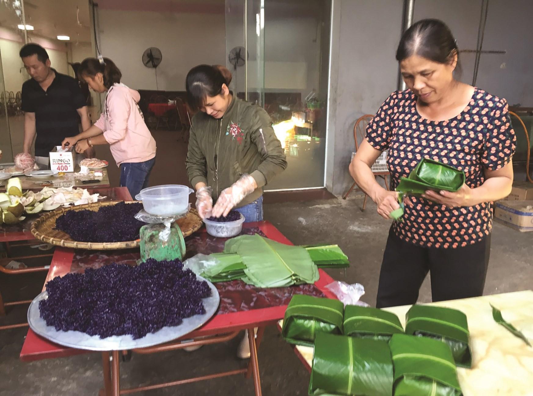 Bánh chưng đen - ẩm thực độc đáo ở Bắc Sơn