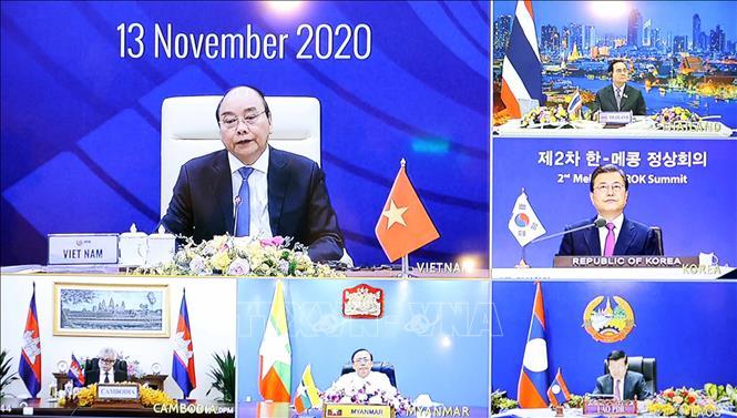 Thủ tướng Nguyễn Xuân Phúc và Tổng thống Hàn Quốc Moon Jae-in đồng chủ trì Hội nghị Cấp cao Mekong - Hàn Quốc lần thứ 2, sáng 13/11. Ảnh: Thống Nhất/TTXVN