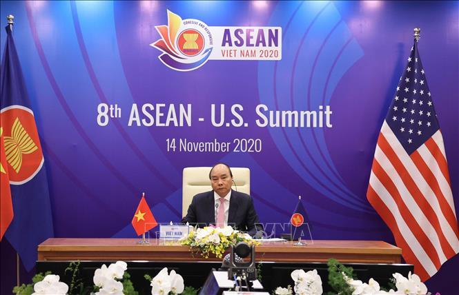 Thủ tướng Nguyễn Xuân Phúc, Chủ tịch ASEAN 2020 chủ trì Hội nghị Cấp cao ASEAN - Hoa Kỳ lần thứ 8 tại điểm cầu Hà Nội. Ảnh: Thống Nhất/TTXVN