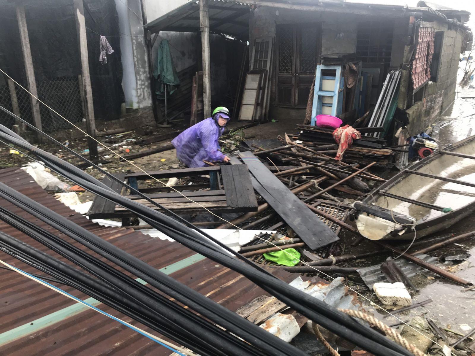 Bão số 13 đang gây thiệt hại nặng nề ở Thừa Thiên Huế - Ảnh:Internet