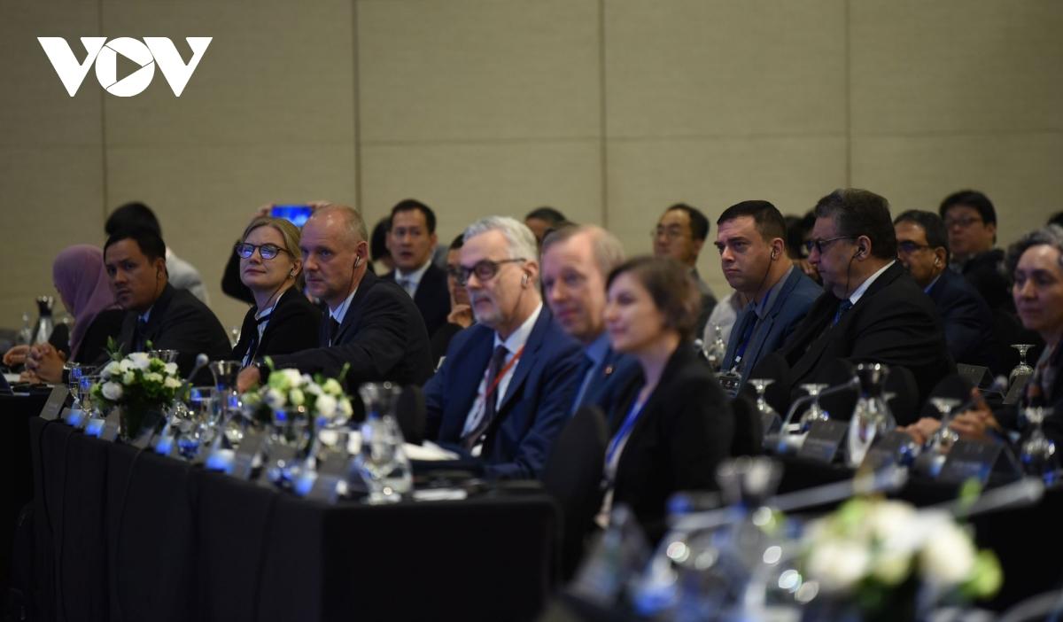 Các đại biểu tham dự Hội thảo.