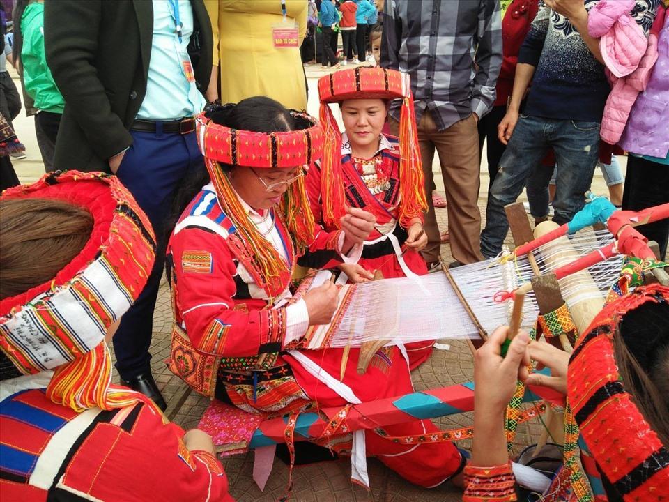 Bảo tồn phát huy nghề thủ công truyền thống của dân tộc La Chí, Pà Thẻn.