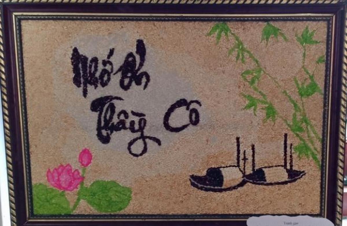 Tranh làm từ hạt gạo của học sinh Trường Trung học Cơ sở Tả Ngài Chồ. Ảnh: Vũ Ninh.