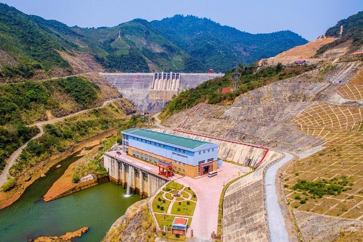 Phá rừng làm thủy điện - Cần xem xét thấu đáo 1