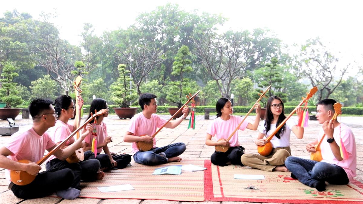 CLB Hát then - đàn tính TP. Hồ Chí Minh hiện có khoảng 20 thành viên và 50 cựu thành viên.
