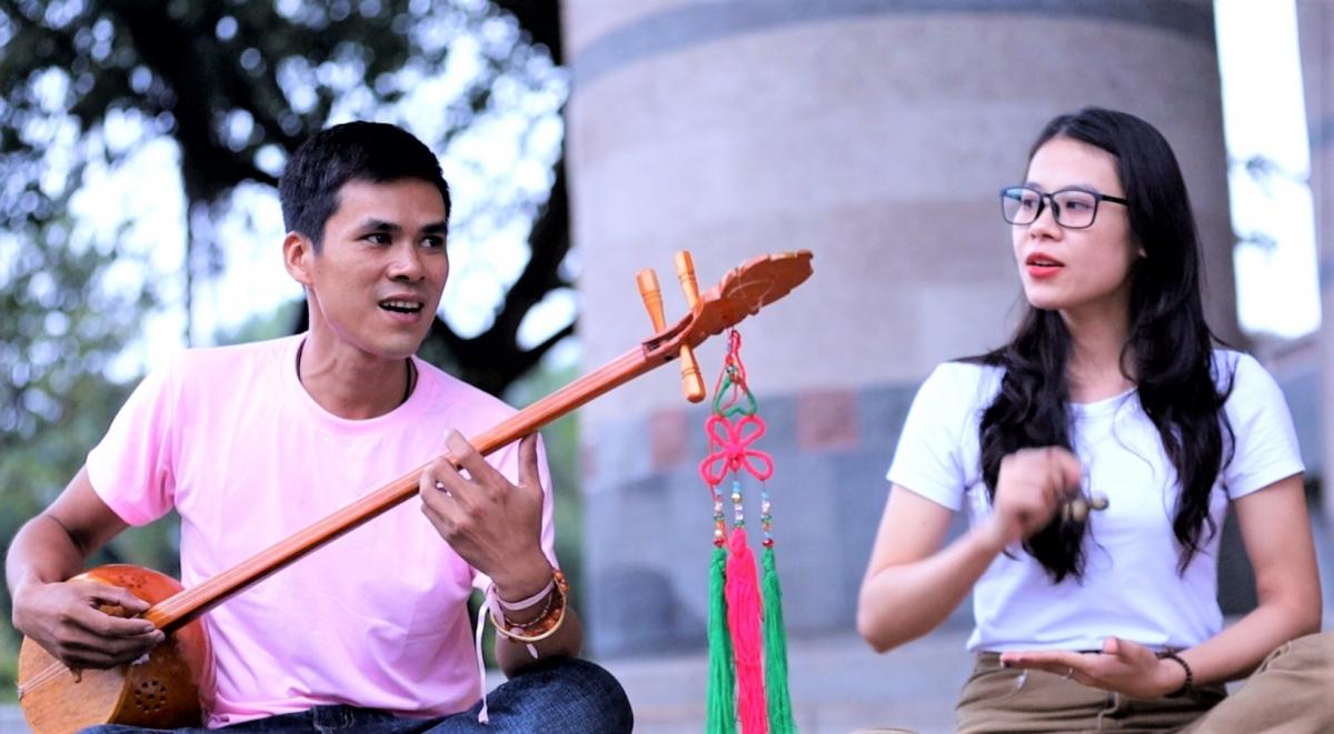 Hai cựu thành viên Nguyễn Văn Huy và Hoàng Thị Dung tham gia Hội trại với các thế hệ đàn em trong CLB.