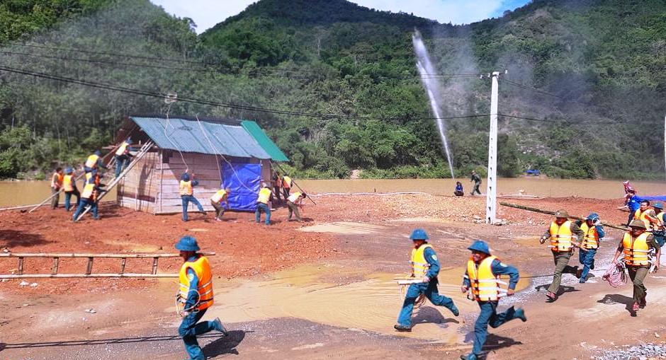 Diễn tập ứng phó với thiên tai tại xã Lượng Minh, huyện Tương Dương (Nghệ An)