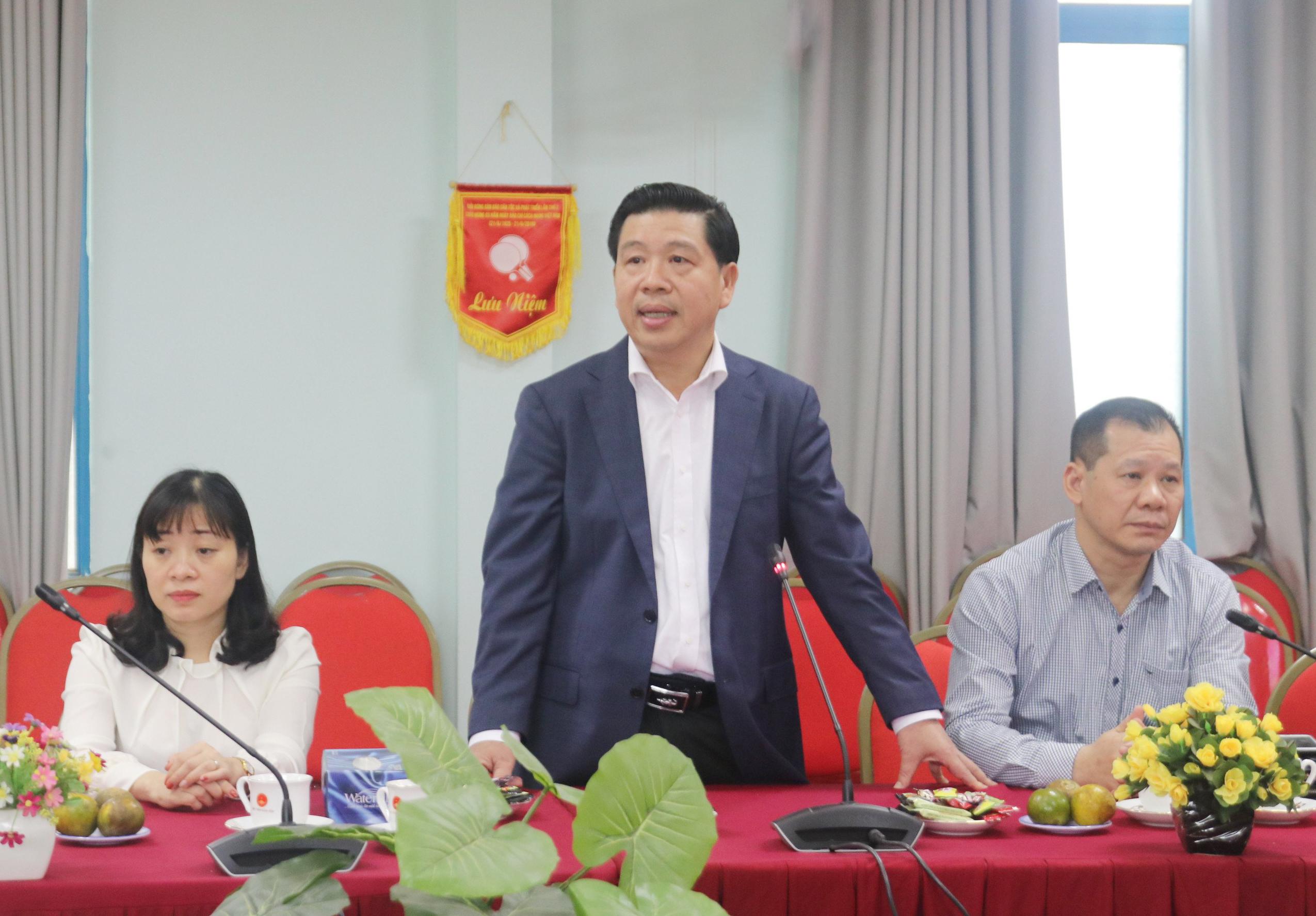 Thứ trưởng, Phó Chủ nhiệm UBDT Lê Sơn Hải phát biểu chúc mừng Học Viện Dân tộc