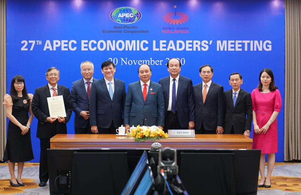 Phái đoàn Việt Nam tham dự Hội nghị Cấp cao APEC lần thứ 27. Ảnh: VGP/Quang Hiếu