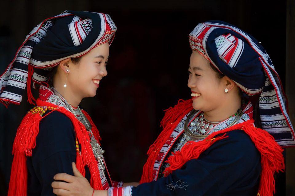 """Tác phẩm """"Nụ cười thiếu nữ Dao"""" (Ảnh: Nguyễn Sơn Tùng)"""