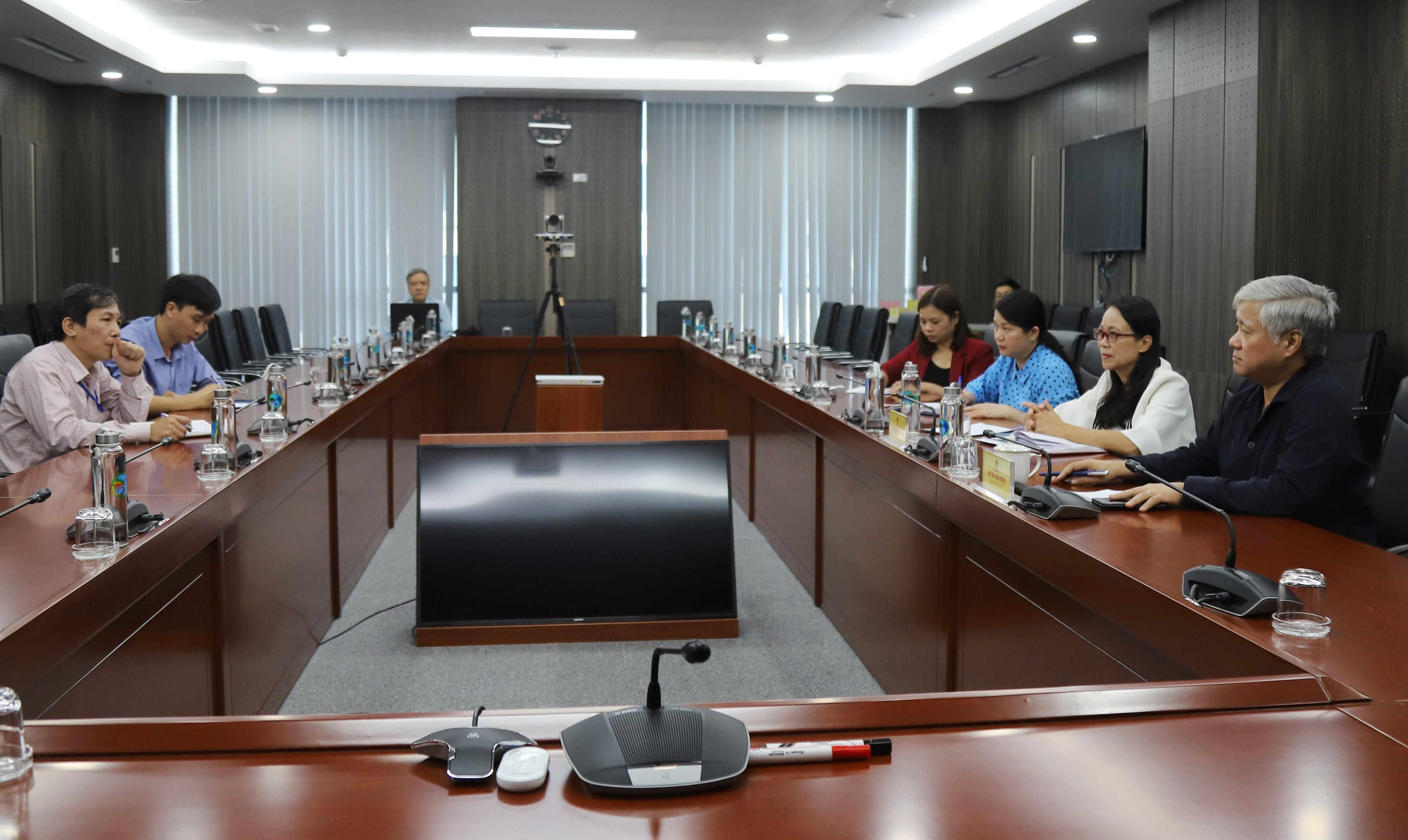 Bộ trưởng, Chủ nhiệm Đỗ Văn Chiến chủ trì buổi duyệt phim