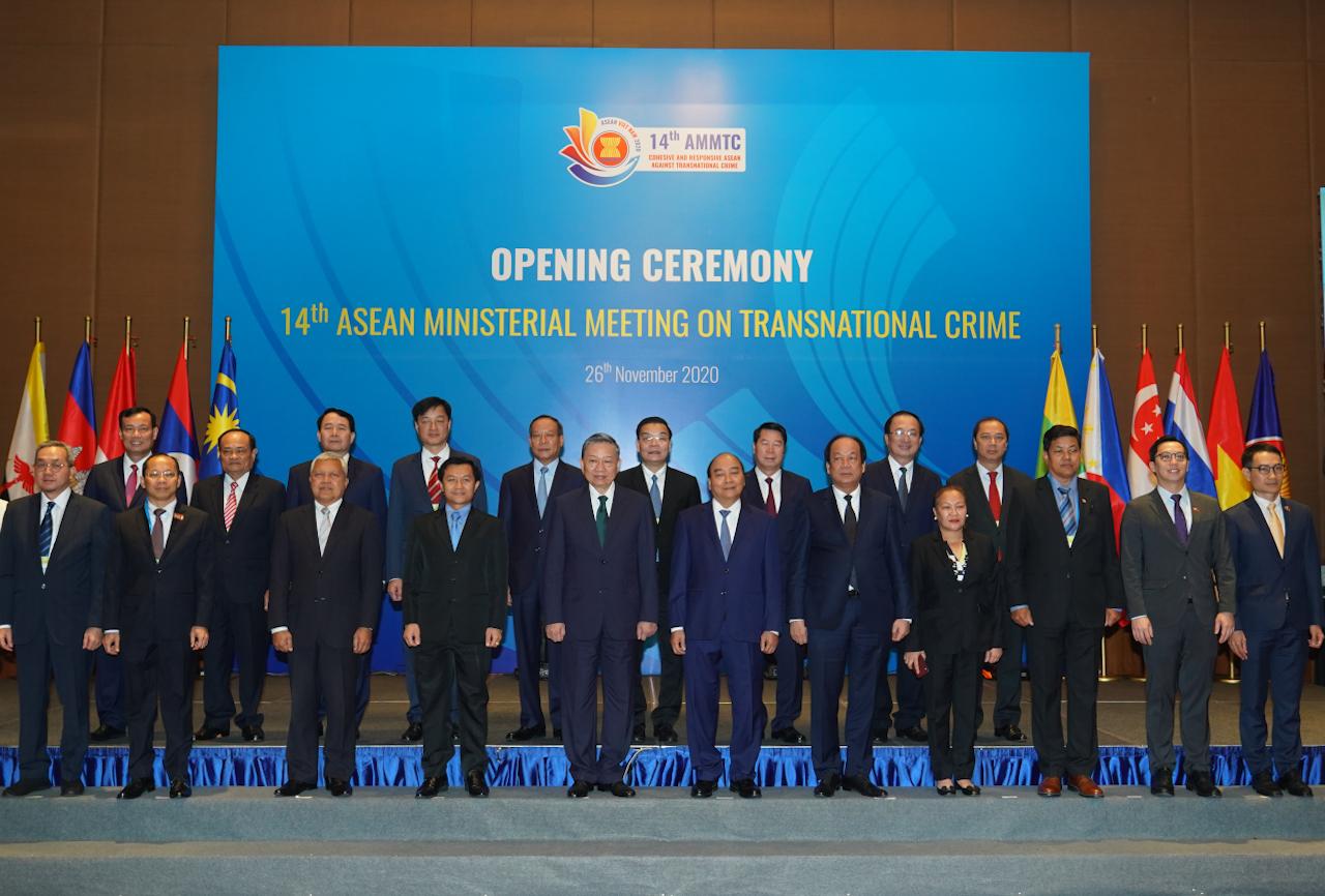 Thủ tướng Nguyễn Xuân Phúc và các đại biểu dự Hội nghị. Ảnh: VGP/Quang Hiếu