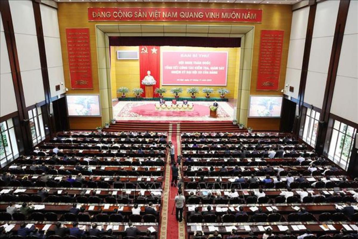 Hội nghị toàn quốc tổng kết công tác kiểm tra, giám sát nhiệm kỳ Đại hội XII của Đảng. Ảnh: TTXVN
