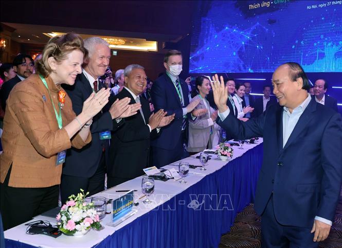 Thủ tướng Nguyễn Xuân Phúc với các đại biểu dự diễn đàn. Ảnh: Thống Nhất/TTXVN