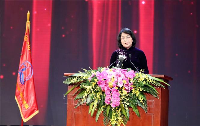 Phó Chủ tịch nước Đặng Thị Ngọc Thịnh, Phó Chủ tịch thứ nhất Hội đồng thi đua – Khen thưởng Trung ương phát biểu tại buổi Lễ. Ảnh: Anh Tuấn/TTXVN