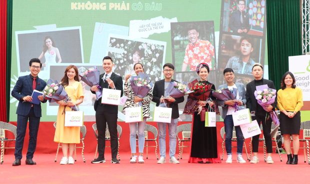 Hoa hậu H'Hen Niê (thứ tứ từ trái sang phải) là đại sứ đồng hành cùng Dự án (Ảnh BHG)