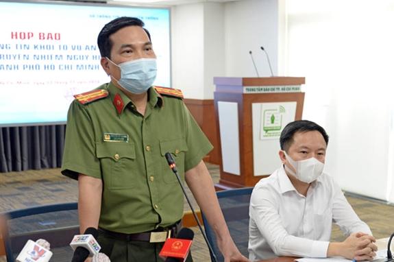 Đại tá Nguyễn Sỹ Quang thông tin về vụ án tại buổi họp báo.