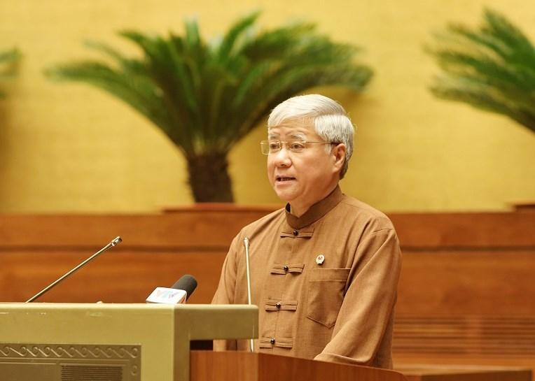 Bộ trưởng, Chủ nhiệm Ủy ban Dân tộc Đỗ Văn Chiến báo cáo tóm tắt công tác chuẩn bị Đại hội