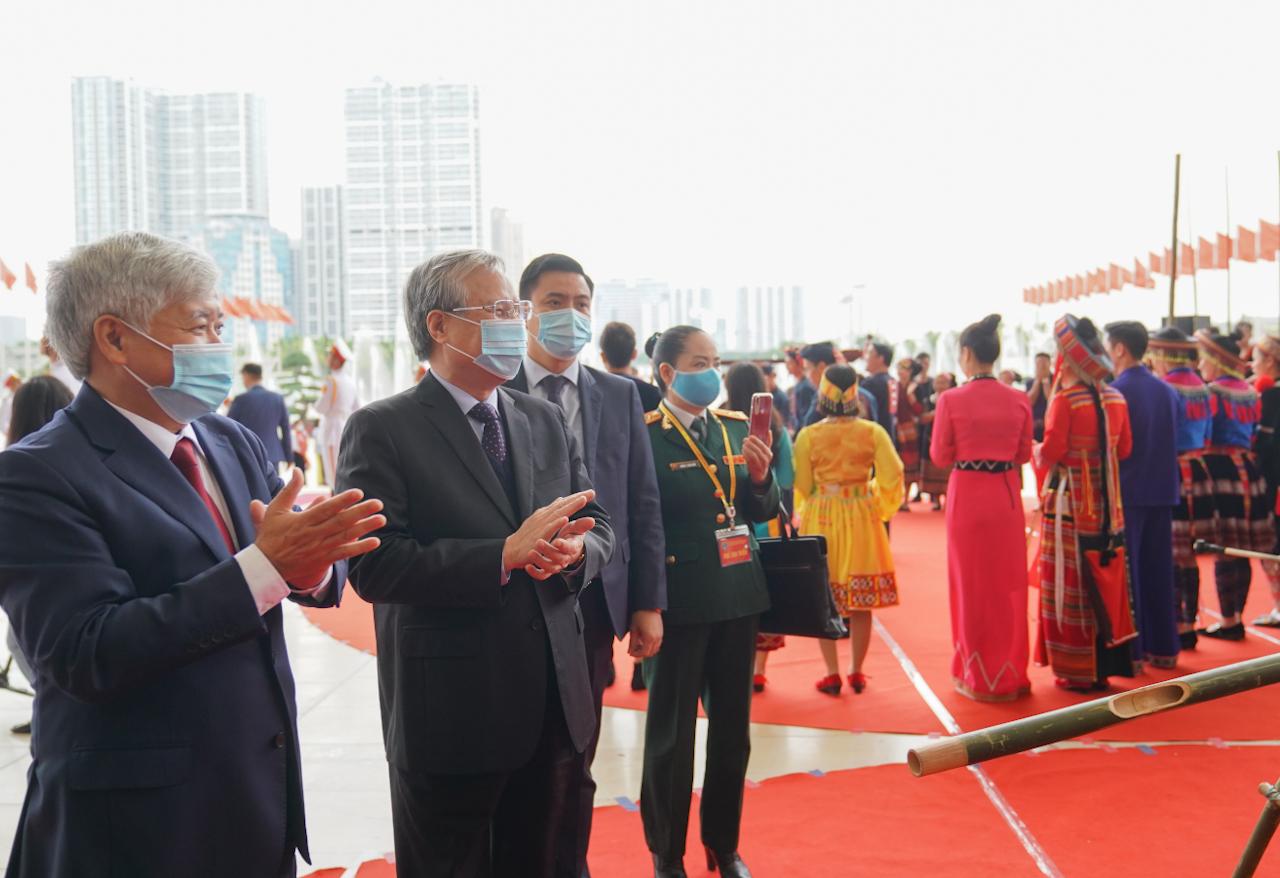 Thường trực Ban Bí thư Trần Quốc Vượng và Bộ trưởng, Chủ nhiệm UBDT Đỗ Văn Chiến dự Đại hội