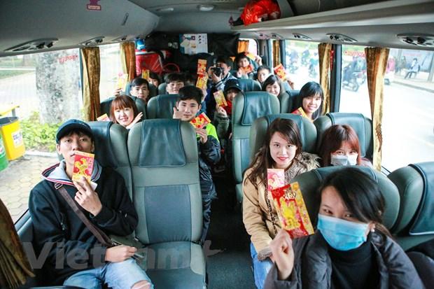 Những chuyến xe miễn phí luôn có ý nghĩa đặc biệt với sinh viên, thanh niên công nhân, người lao động xa quê có hoàn cảnh khó khăn về quê đón Tết Nguyên đán. Ảnh MH