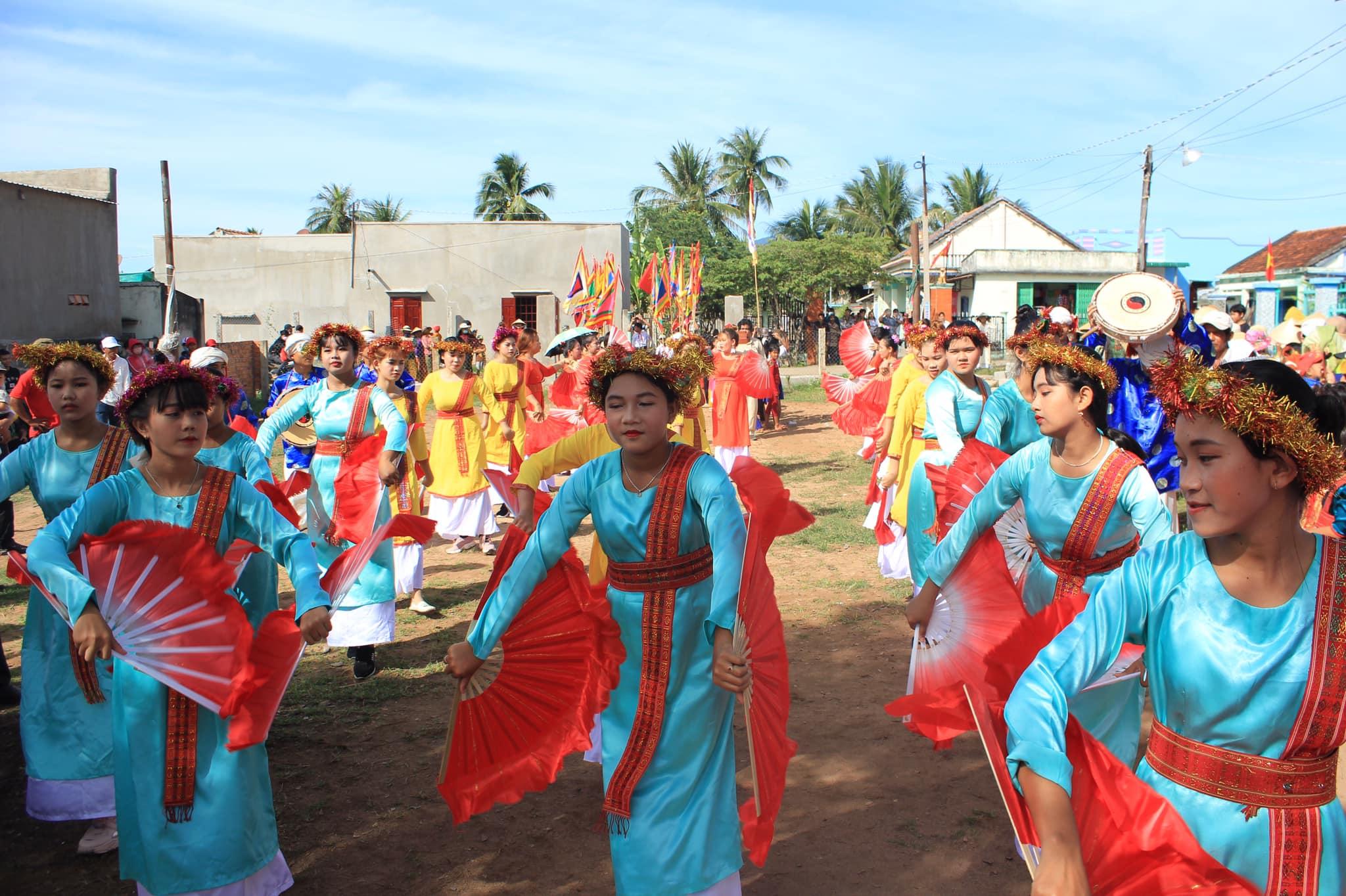 Các điệu múa tại Lễ hội Cambur