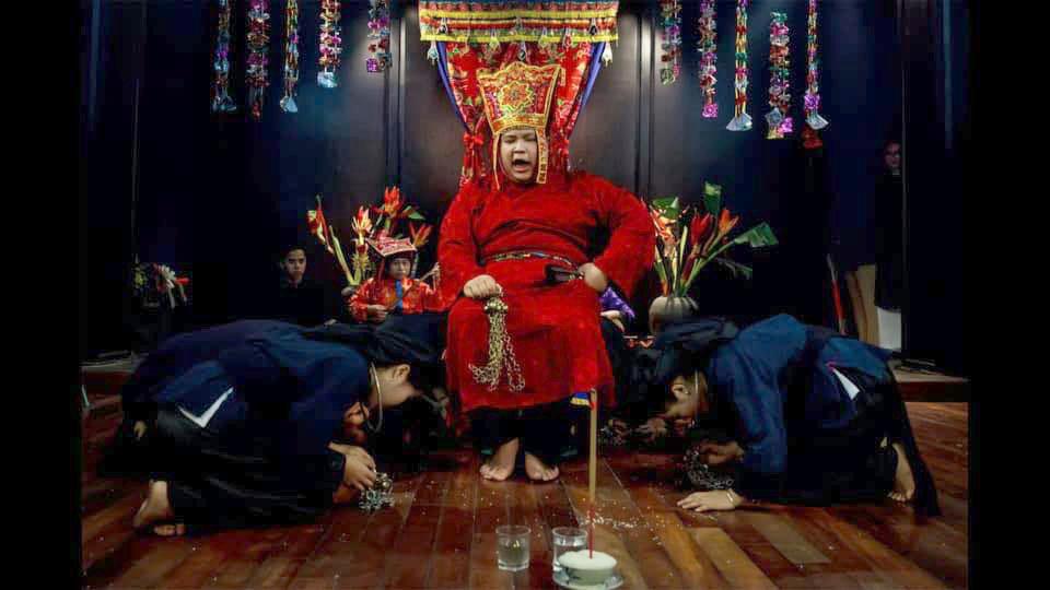 Tái hiện một phân cảnh Then nghi lễ trên sân khấu