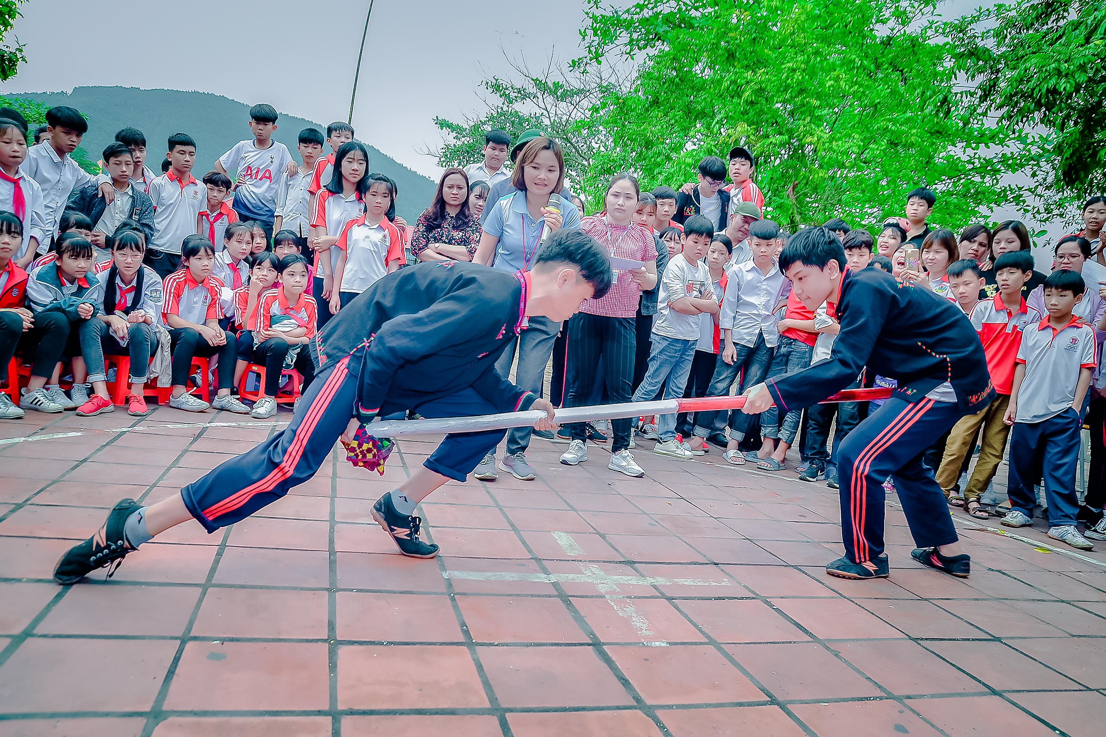 Nhà trường thường xuyên tổ chức các môn thể thao dân tộc