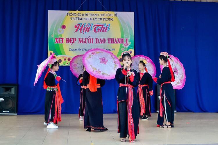 Hội thi Nét đẹp người Dao Thanh Y do nhà trường tổ chức.