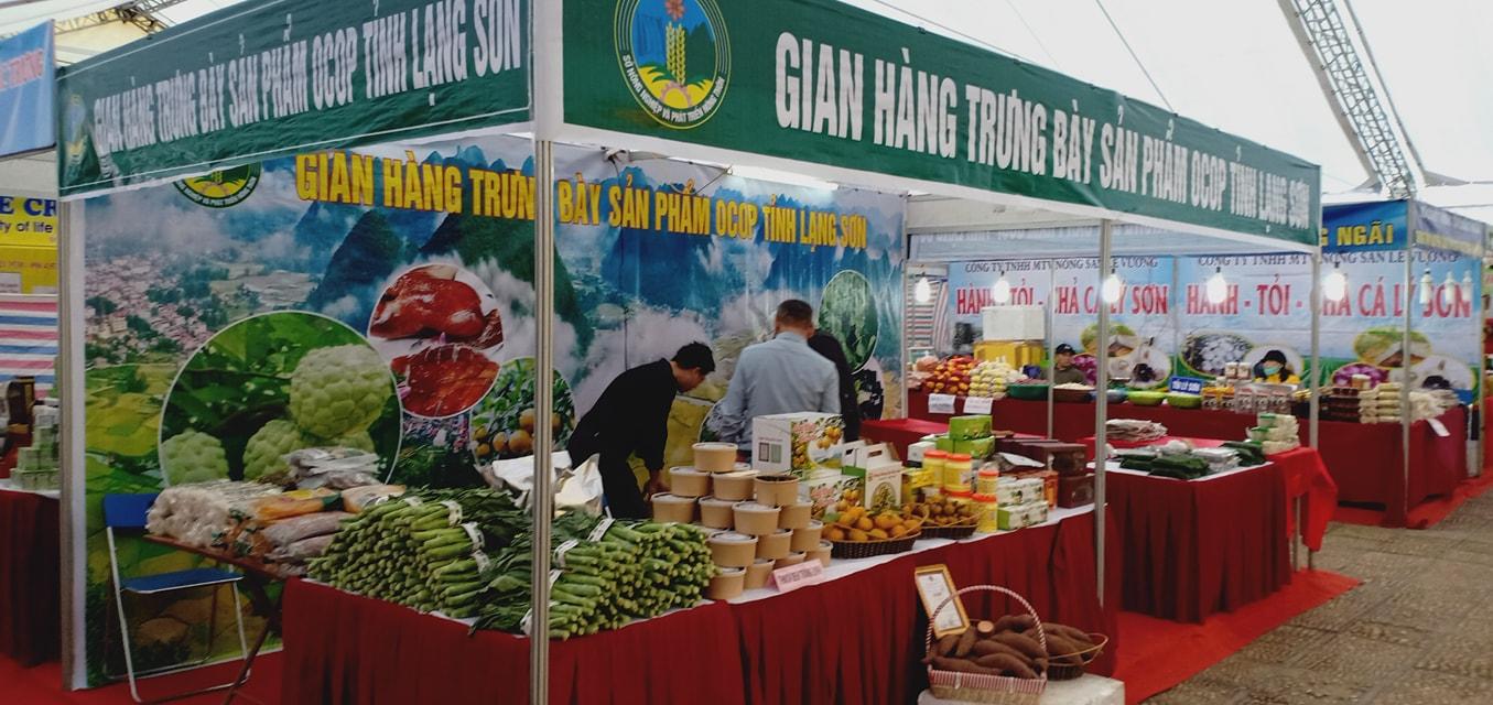 Gian hàng trưng bày sản phẩn OCOP của tỉnh Lạng Sơn