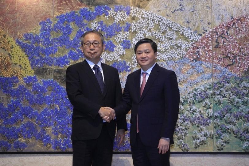Đại sứ Nhật Bản Yamada Takiotại tại Việt Nam và Chủ tịch HĐQT Ngân hàng TMCP Công Thương Việt Nam Lê Đức Thọ