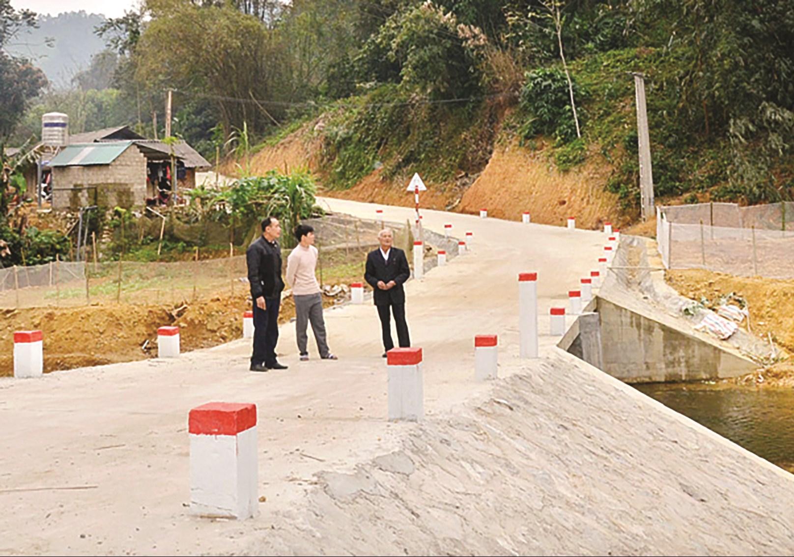 Cầu tràn liên hợp thôn Nà Ho, xã Trung Sơn được đầu tư từ nguồn vốnCT 135 (tháng 2/2020).
