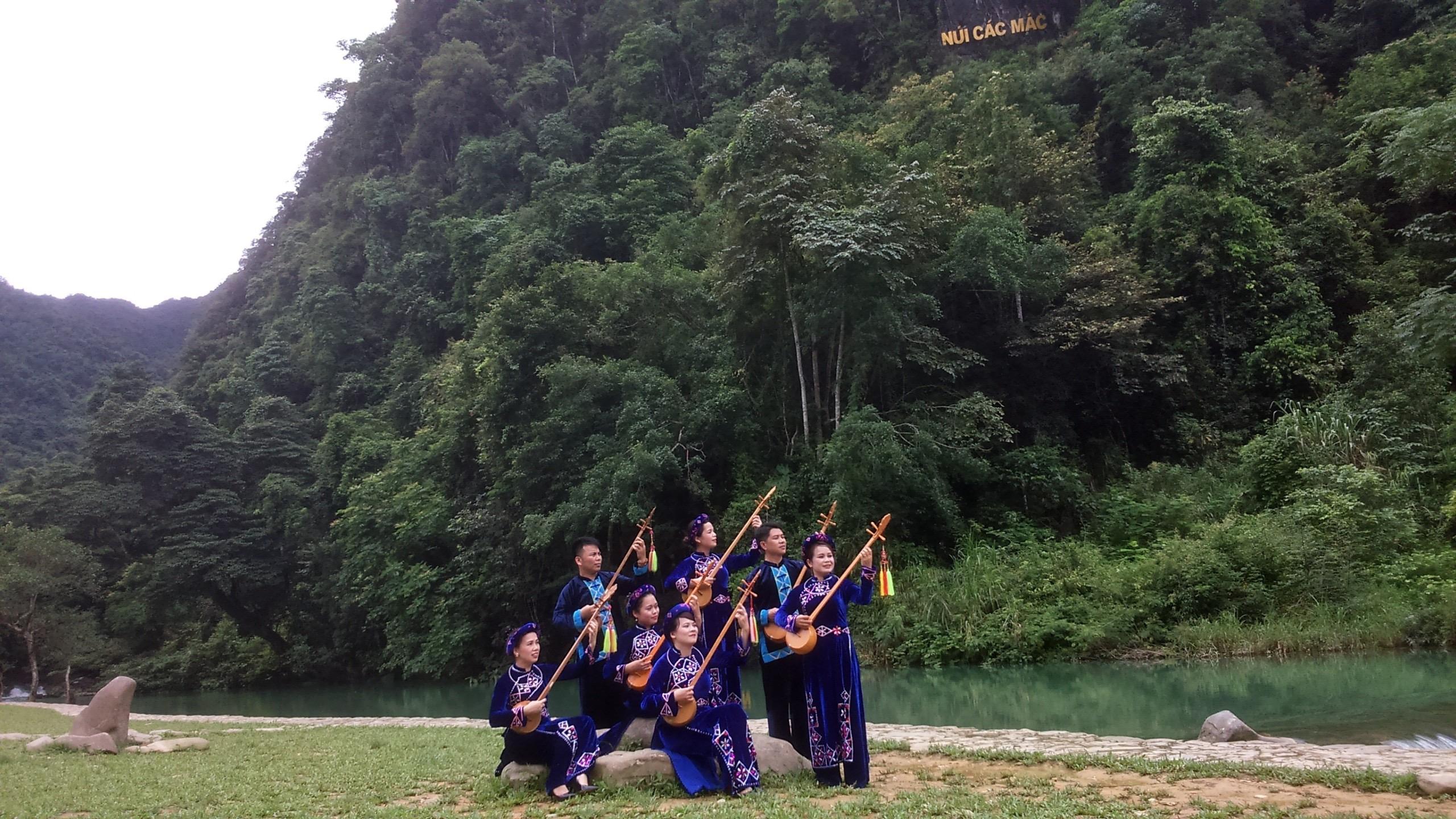 Các Đội dân ca xóm, bản ở Hà Quảng đã và đang góp phần giữ gìn nét văn hóa truyền thống của đồng bào DTTS.