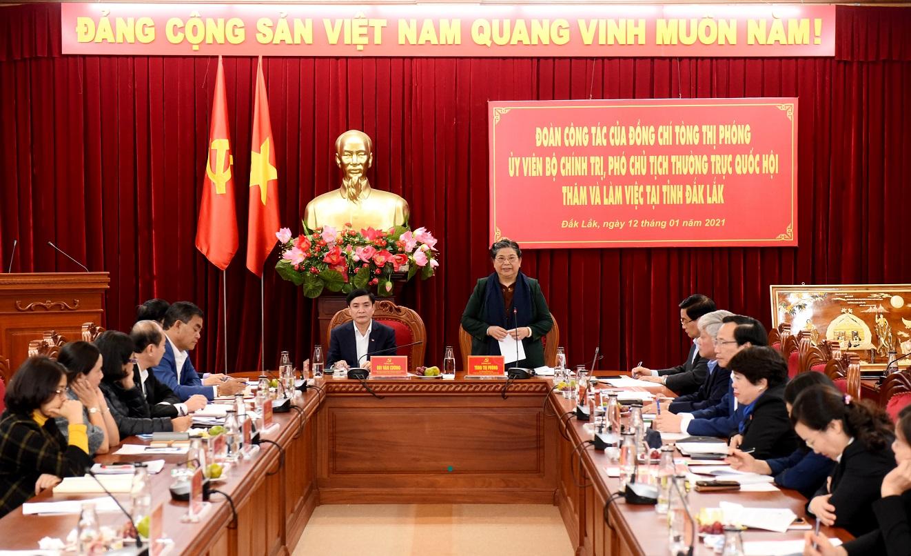 Phó Chủ tịch Thường trực Quốc hội Tòng Thị Phóng phát biểu tại buổi làm việc